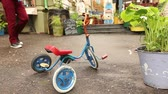 soviético : Soviet exterior, a kind of Soviet courtyard, a retro three-wheeled bicycle