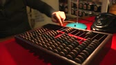 soma : Man calling the old phone, wooden abacus in the office Vídeos