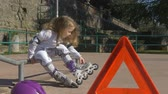 patenci : Trouble on the street, conceptual footage of broken rollerblade in a cute little girl Stok Video