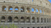 kolosseum : Clouds formed a heart shape in the sky above the Colosseum, Rome Italy. More options in my portfolio Stock Footage