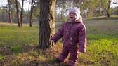 ismeretlen : Little girl cries in forest. Child alone in woods