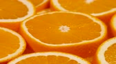 naranjas : Marco shot of orange fruit and rotate.Close up flesh citrus orange. Nature background.
