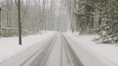 geada : slow movement on the roads in the snow