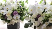 dantel : White flower arrangement