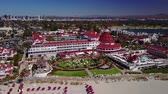 kaliforniya : San Diego - Coronado Beach - Drone Video Aerial Video of Coronado Island setting captures the relaxed beauty and seaside charms of the quintessential Southern California coastal lifestyle.