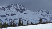 típico : Sierra Summit - Snowy high sierra mountain summit. Stock Footage