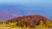 горный хребет : Golden Autumn. Morning in the Mountains. Mountain Valley Landscape with Ski Lift. Timelapse. Стоковые видеозаписи