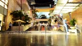 economie : Hollywood Night Time Lapse Mall Escaliers Inclinaison vers le haut