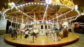 bambini : Time Lapse di Merry Go Round at Night