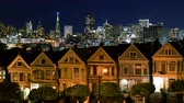 vitoriano : 4K Time Lapse of Victorian Houses  Skyline in San Francisco at Night Zoom In