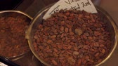 poudre cacao : Panorama of a brown cocoa beans in a steel bowl in chocolate store in Belgium