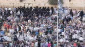 judaísmo : Religious Jews sunset prayer service at the Western Wall, Israel timelapse Vídeos