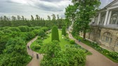 poprsí : Antique gallery with sculptures and garden in the Catherine park timelapse, Saint-Petersburg.