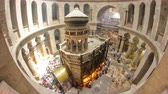 crucificação : The Holy Sepulchre Church inside from top in Jerusalem timelapse.