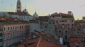 praça : Beautiful roof top view of cathedral of San Marco, Venice