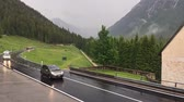 noruega : Traffic on mountain road in timelapse, Norway Stock Footage