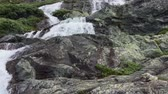 noruega : Scenic waterfall on road 55 between Gaupne and Lom. Norway