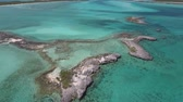 fantasia : Aerial view of uninhabited Bahamas islands Vídeos
