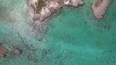 коралловый : Aerial view of uninhabited Bahamas islands Стоковые видеозаписи