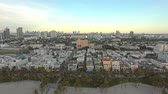 automóvel : Aerial view of Ocean Drive and South beach, Miami, Florida, USA Stock Footage