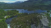 norsko : Aerial view of Lotevatnet lake and Latefossen waterfall in Norway Dostupné videozáznamy