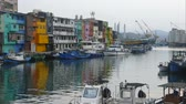 barvy : The Zhengbin Fishing Port in north of Taiwan with nice house color and view