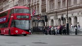 inglaterra : London Traffic with buses and cabs