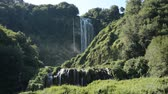 пейзаж : Mountain cascades of waterfall Cascata delle Marmore in Italy