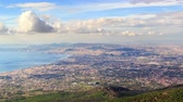 neapel : Over Naples. Zoom. Italien. Zeitraffer. UltraHD 4K