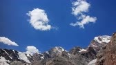 não urbano : Clouds over the mountains. Pamir Tazhikistan. Time Lapse