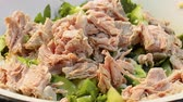 majonéza : Video shows Meat salad with greens