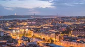 buurt : Lisbon Portugal time lapse 4K, aerial view city skyline day to night sunset timelapse at Lisbon Baixa district