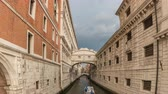 benátky : Venice Italy time lapse 4K, city skyline timelapse at Bridge of Sighs