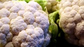 single broccoli : Closer image of the cauliflower where you can clearly see that it is very healthy and there is no damage or darkening.