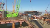 soldagem : Construction of the Crimean bridge. The process of building a bridge. Assembling spans and arches of the bridge. Stock Footage
