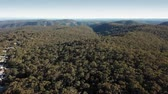 gerçek : Aerial scene passing Bowen Mountain towards the Grose River Valley on the Blue Mountains foothills.