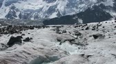 túrázás : Moraine glacier ice melting. Glacier water flowing. Scenic mountains view. Altai Mountains. Akkem glacier