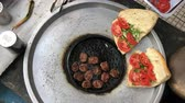 sandviç : Meatball in Turkish Outdoor Style Stok Video