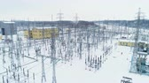 изолированный : insulators isolate wires from supporting structures at station