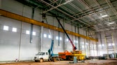 espaçoso : timelapse builders install ceiling in spacious factory shop