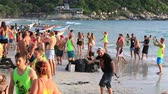ada : PHANGAN, THAILAND - DECEMBER 7, 2014 :Unidentified people participate in the Full Moon party on island Koh Phangan. The event now attracts anywhere from 40,000 party-goers on a normal month Stok Video