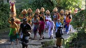 monstro : UBUD, BALI, INDONESIA - MARCH 18, 2015 : Unidentified Indonesian people celebrate Balinese New Year and the arrival of spring. This is a procession to the village temple Vídeos