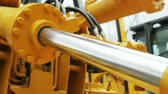 tecnológica : Hydraulic piston system for tractors, bulldozers, excavators. details of construction equipment Vídeos