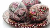 símbolo : Painted Easter Eggs Isolated Over White Background