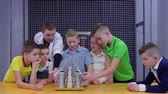 static electricity : Children explore wimshurst machine in scientific museum