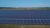 sustentabilidade : Solar battery farm on the field. Shot on drone Stock Footage