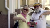 família : Portrait of stylish and confident senior couple have fun on camera Stock Footage