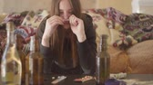 неустойчивый : Portrait of a drug addicted girl who consumes alcohol and drugs. Addiction problem. Bad looking woman.
