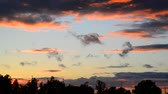 contrastes : Beautiful red clouds at sunset Stock Footage