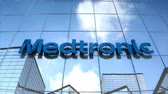 şirket : Editorial use only, 3D animation, Medtronic logo on glass building.